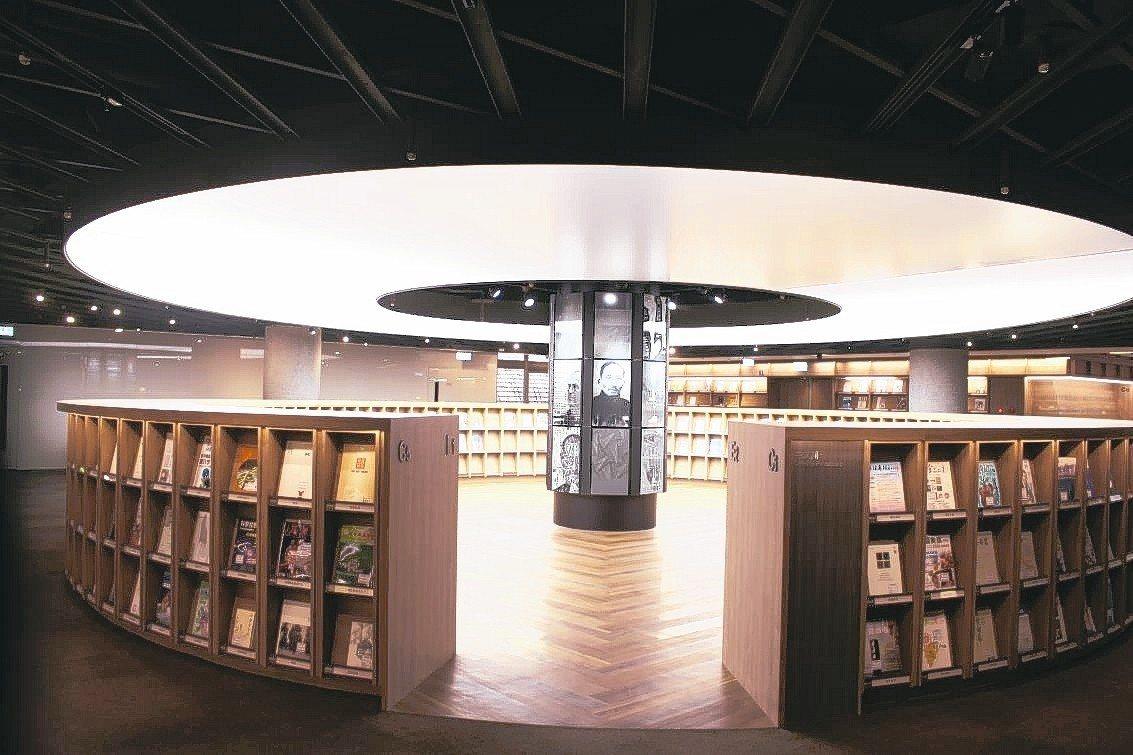 交大圖書館3樓改建後,美照登上全球最大的建築專業網站Archidaily。 記者...