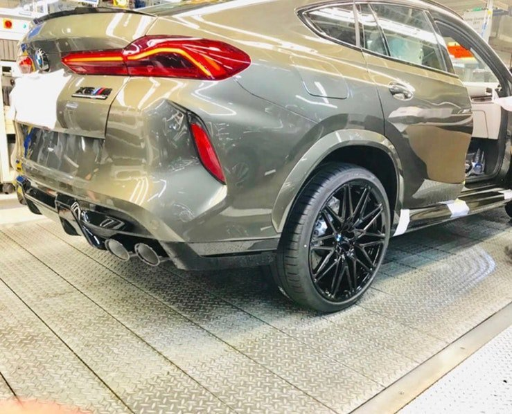 BMW X6 M Competition那輪拱的肌肉感十分銷魂。 摘自Bimme...