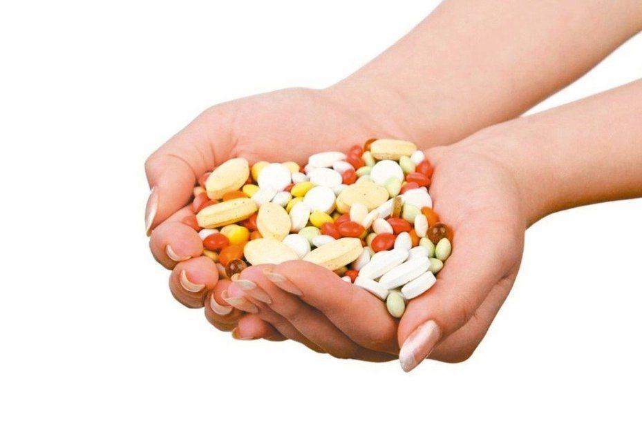 特殊營養食品可以幫助無法正常飲食患者。本報系資料照