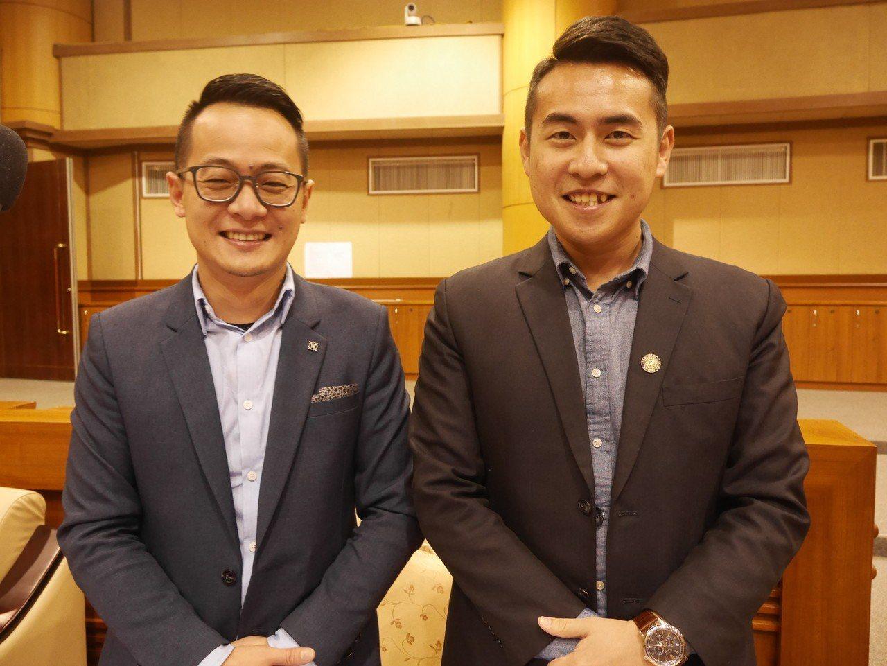基隆市議員林旻勳(右),常被錯認成童子瑋,趣事連連。記者吳淑君/攝影