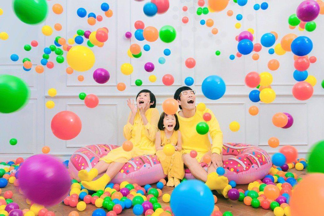 Mom&Dad推出新歌「遊樂場」。圖/VS Media提供