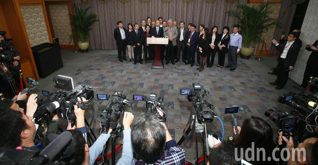 這次韓國瑜大陸行媒體採訪管制超嚴格,只能定點採訪。記者劉學聖/攝影