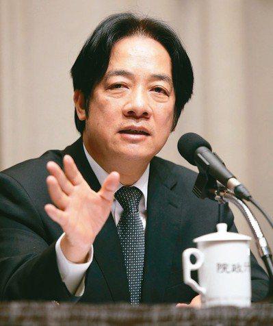 行政院前院長賴清德(圖)喊話要高雄市長韓國瑜「賣農不賣身」,引發二人隔空互嗆。 ...