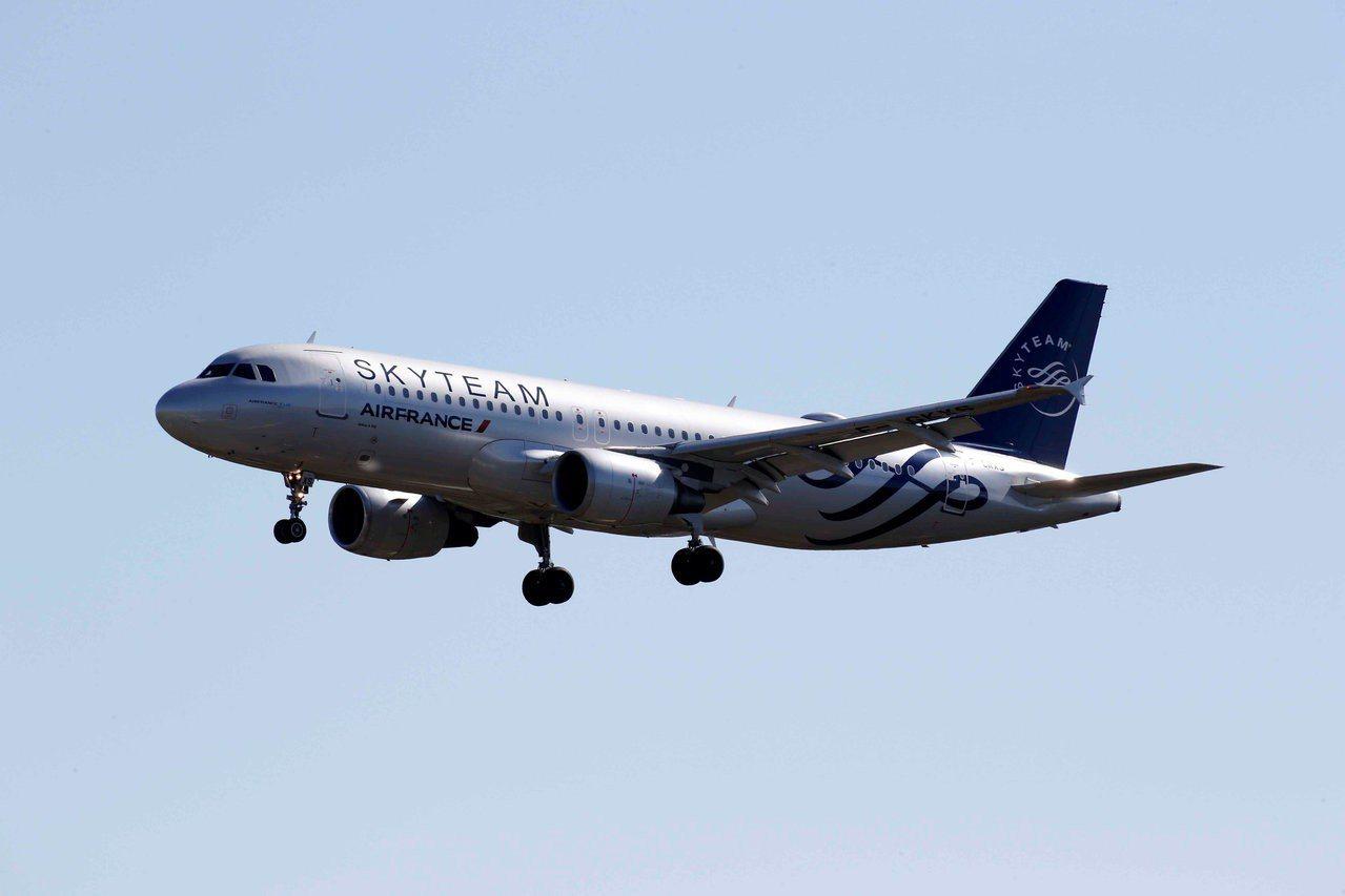 法國總統辦公室又發聲明指,隸屬中國民用航空局的央企中國航空器材集團有限公司,同意...