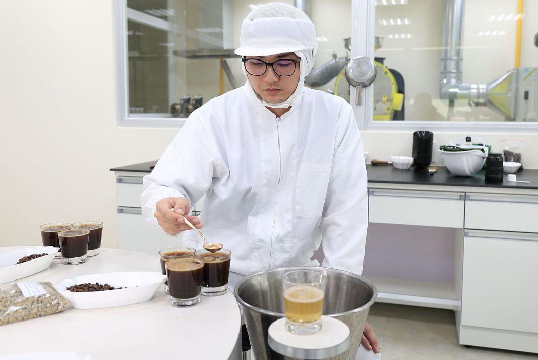 全家自2015年攜手策略夥伴UCC,結合雙方優勢,提升咖啡品質。  圖/全家提...