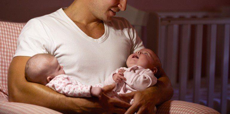 報戶口前的親子鑑定,意外揭開雙胞胎同母異父的真相。示意圖,圖片來源/ingima...