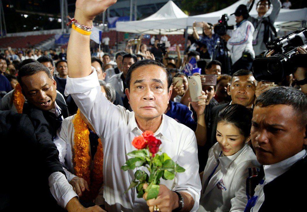 圖為泰國軍政府總理帕拉育。人民希望透過制度約束軍人干政,但約束的程度能到哪裡?則...