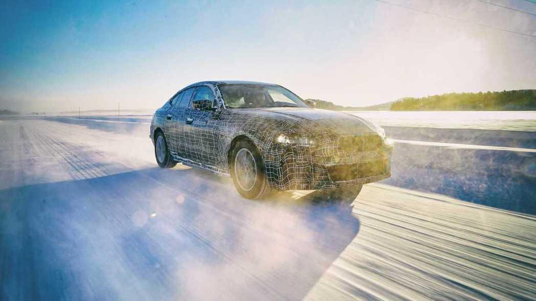 全新BMW i4續航能力可突破600公里。 摘自BMW