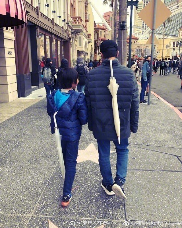 林志穎與兒子Kimi。圖/擷自微博