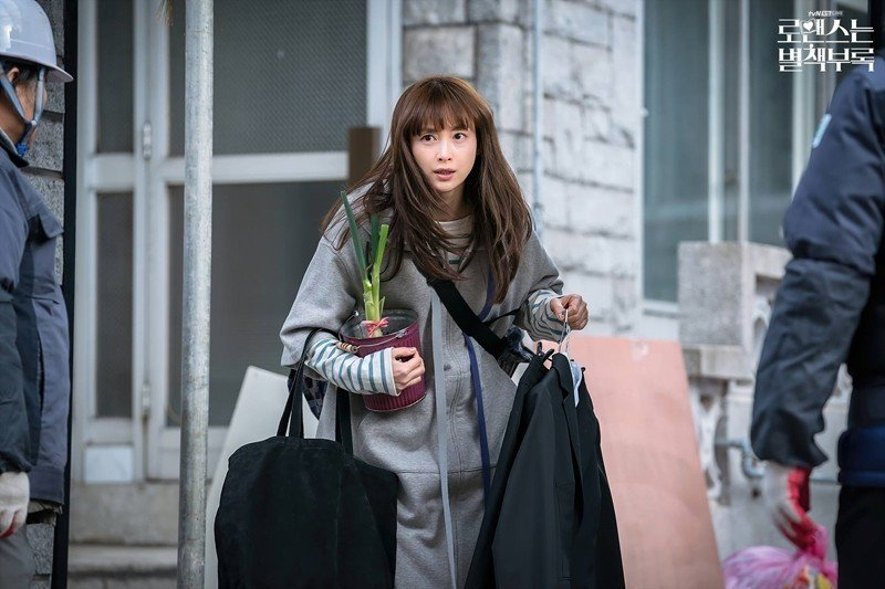 李奈映飾演婚姻生活觸礁後,決定重返職場的女主角姜丹伊。 圖/取自tvN官方粉絲專頁