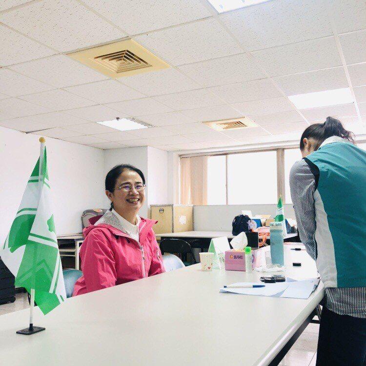 現任立委陳賴素美今天完成黨內登記。圖/陳賴素美提供