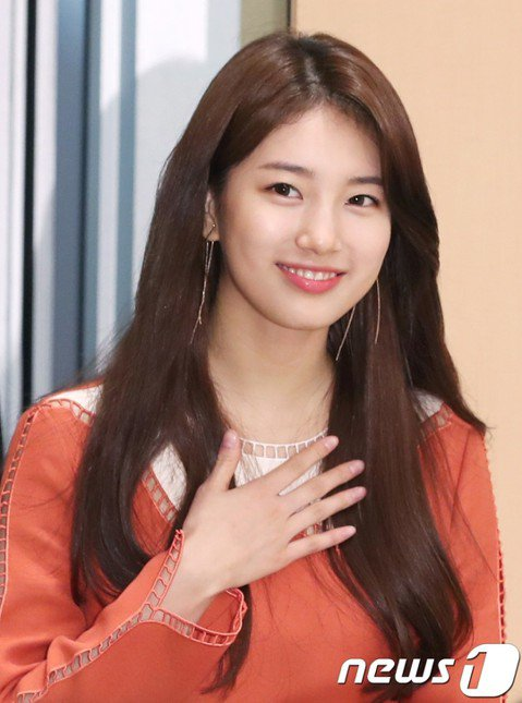 擁有「百億少女」美稱的秀智掰了JYP!今天韓媒報導,秀智與JYP的合約於三月底到期,已經確定不續約,將與孔劉、全度妍的經紀公司簽約,四月開始全方位往演員之路前進。秀智過去因為是廣告代言寵兒,甚至光靠...