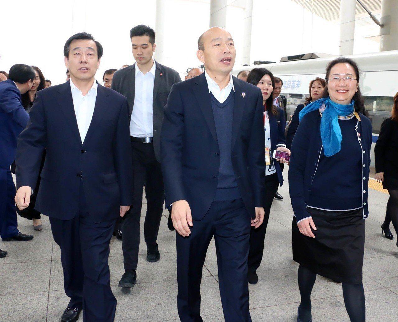 韓國瑜參訪團一行人抵達廈門,隨即再搶9億訂單,累計突破原預估50億元大關。圖/高...