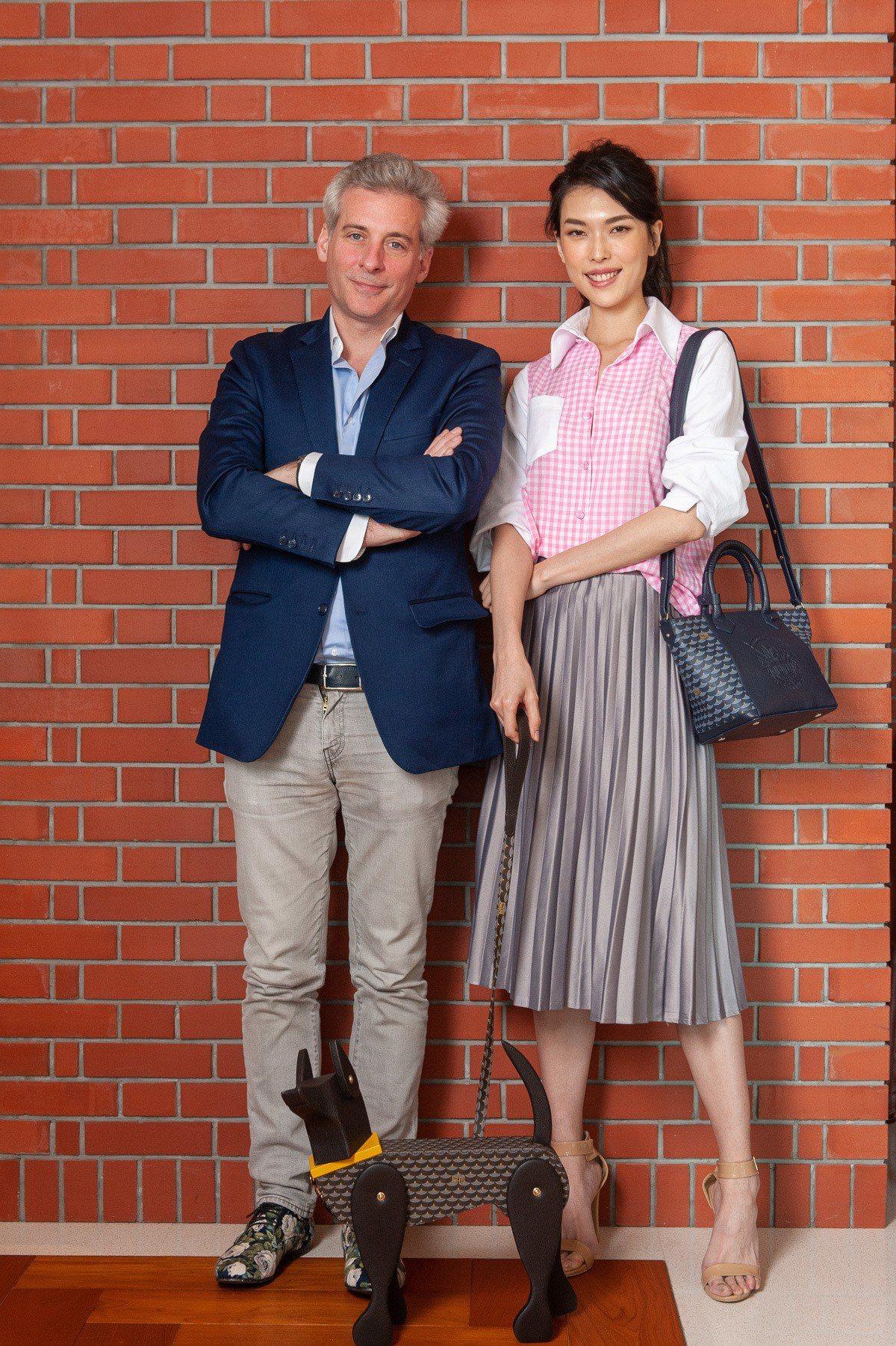 品牌創意總監Augustin de Buffévent來台發表春夏新品,和王思偉...