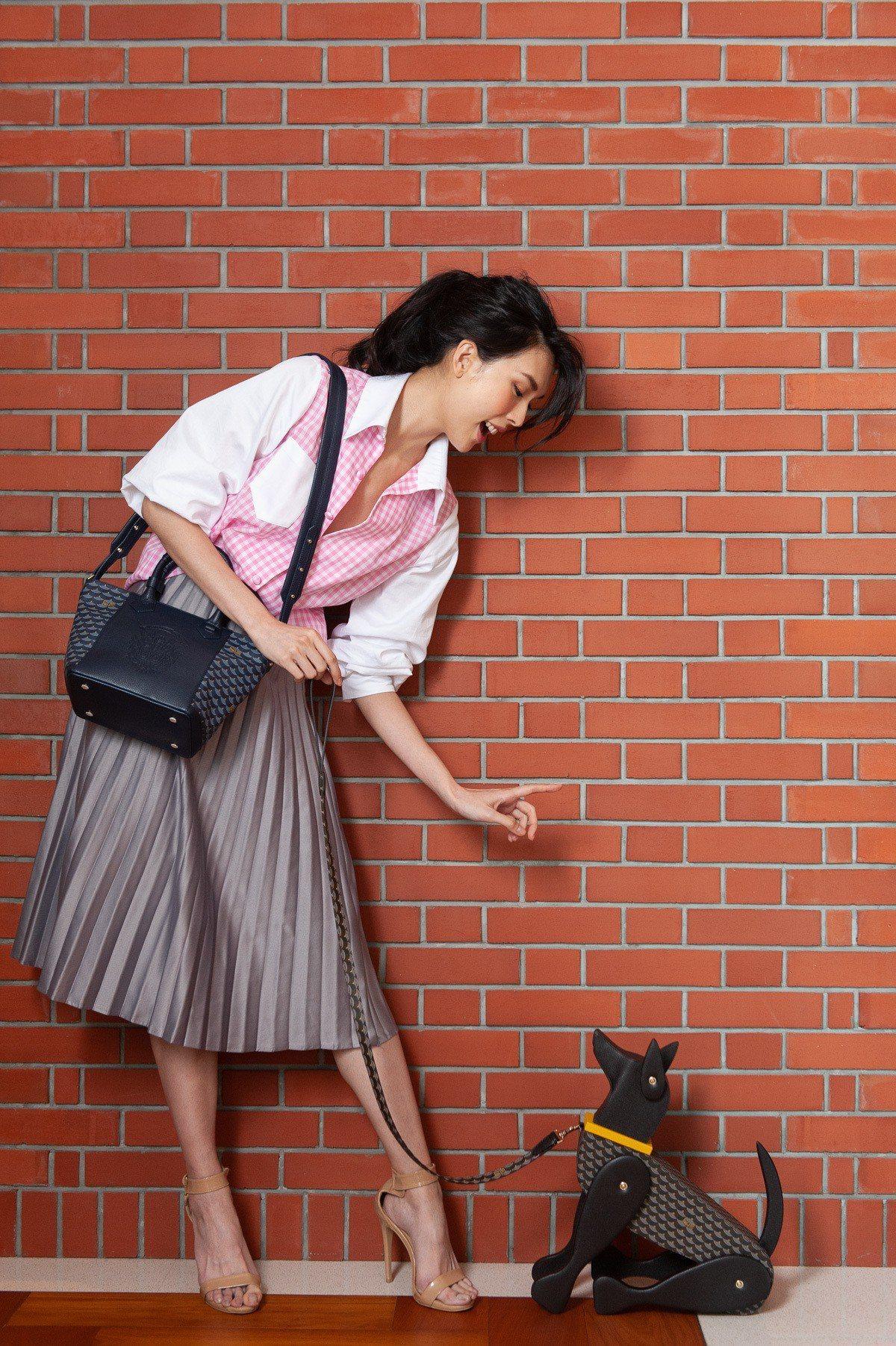 品牌的狗、獅子家飾可以任意更換姿勢,營造生活趣味感。圖/FAURÉ LE PAG...