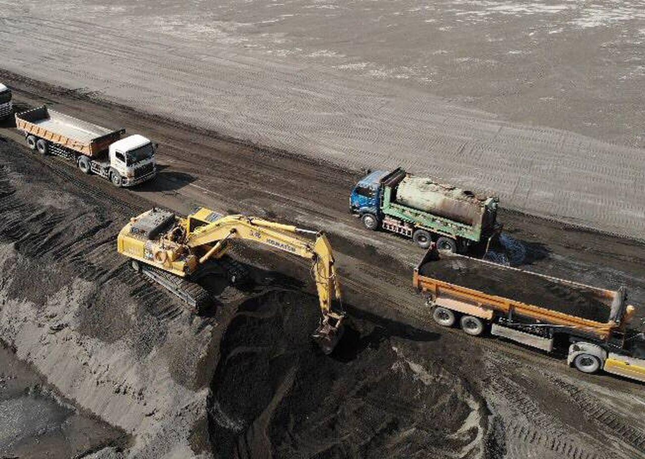 南部地區砂石自去年底至今,價格漲約一至二成,傳說今年五有還會再有一波漲幅。記者王...
