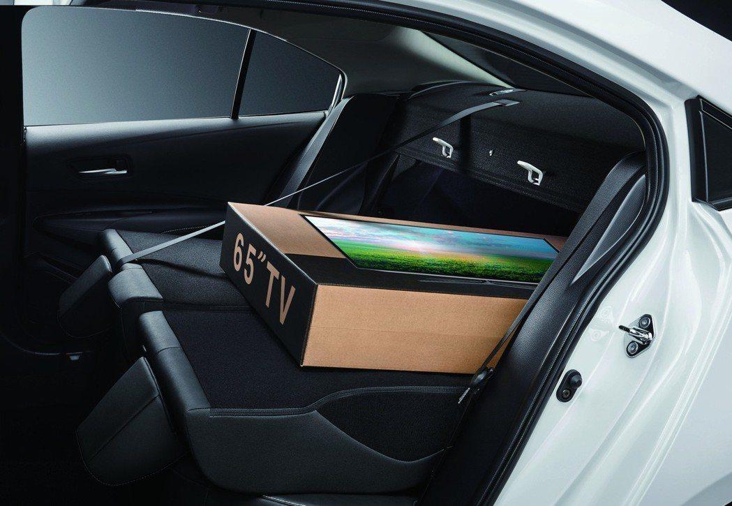 後座椅透過前傾,提供更好的載物空間。 圖/和泰汽車提供