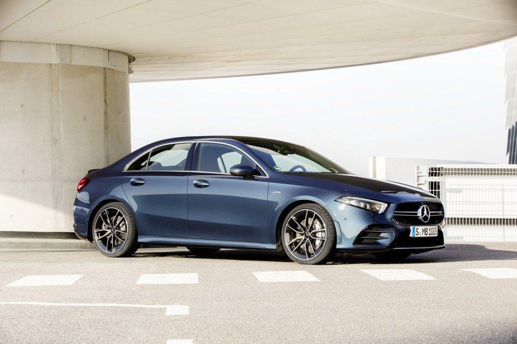 A35也是目前最小台的AMG Sedan車型。 摘自Mercedes
