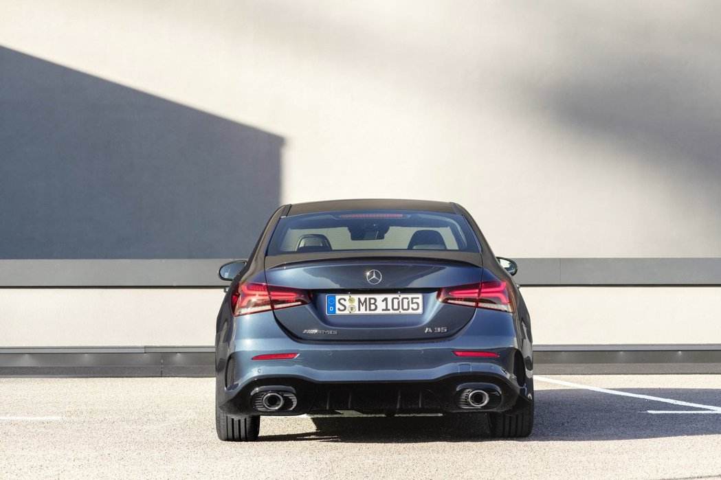 Mercedes-AMG A35 4MATIC Sedan。 摘自Mercede...