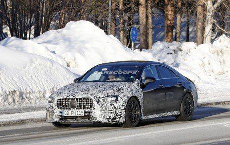 2020 Mercedes-AMG CLA45雪地測試現身 帶來416匹最大馬力