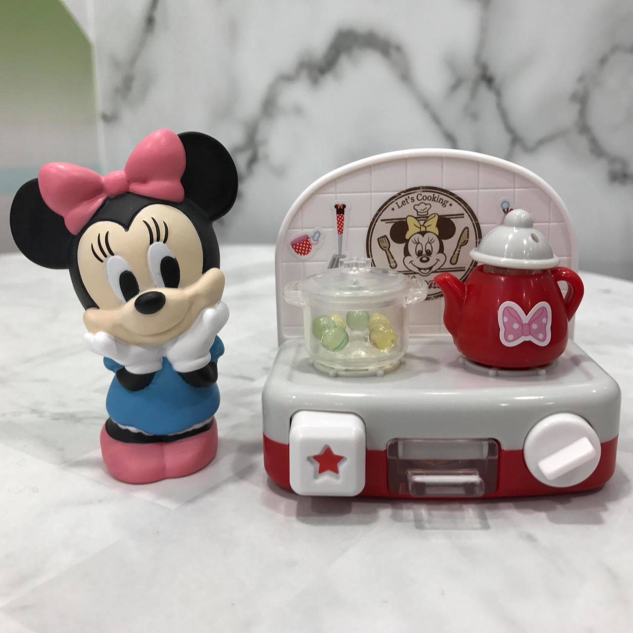 7-ELEVEN獨家限量販售3款「迪士尼與好朋友們小廚房」,售價皆為185元。記...