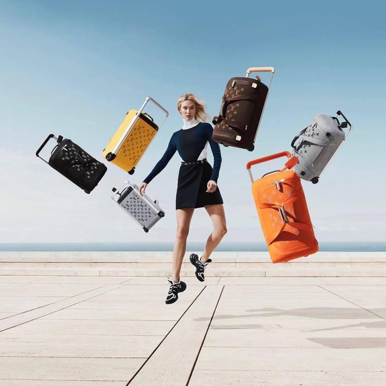 卡莉克勞斯詮釋路易威登Horizon Soft系列行李箱的輕巧。圖/取自IG