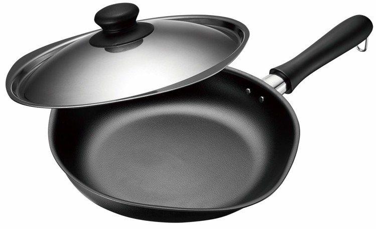 雙網紋單手鐵鍋附不鏽鋼蓋(25CM),市價3,180元,家樂福集12點+1,29...