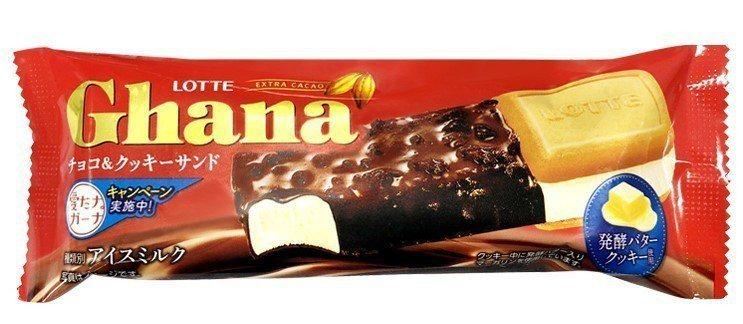 LOTTE加納巧克力餅乾夾心雪糕一支有迦納巧克力冰淇淋、奶油餅乾夾心兩種雪糕,售...