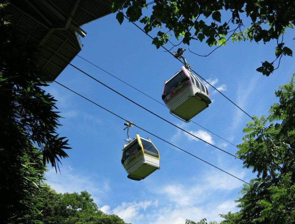 貓空纜車在兒童節清明節4天連假推出國小以下學童不限次數搭貓纜的免費體驗活動。圖/...