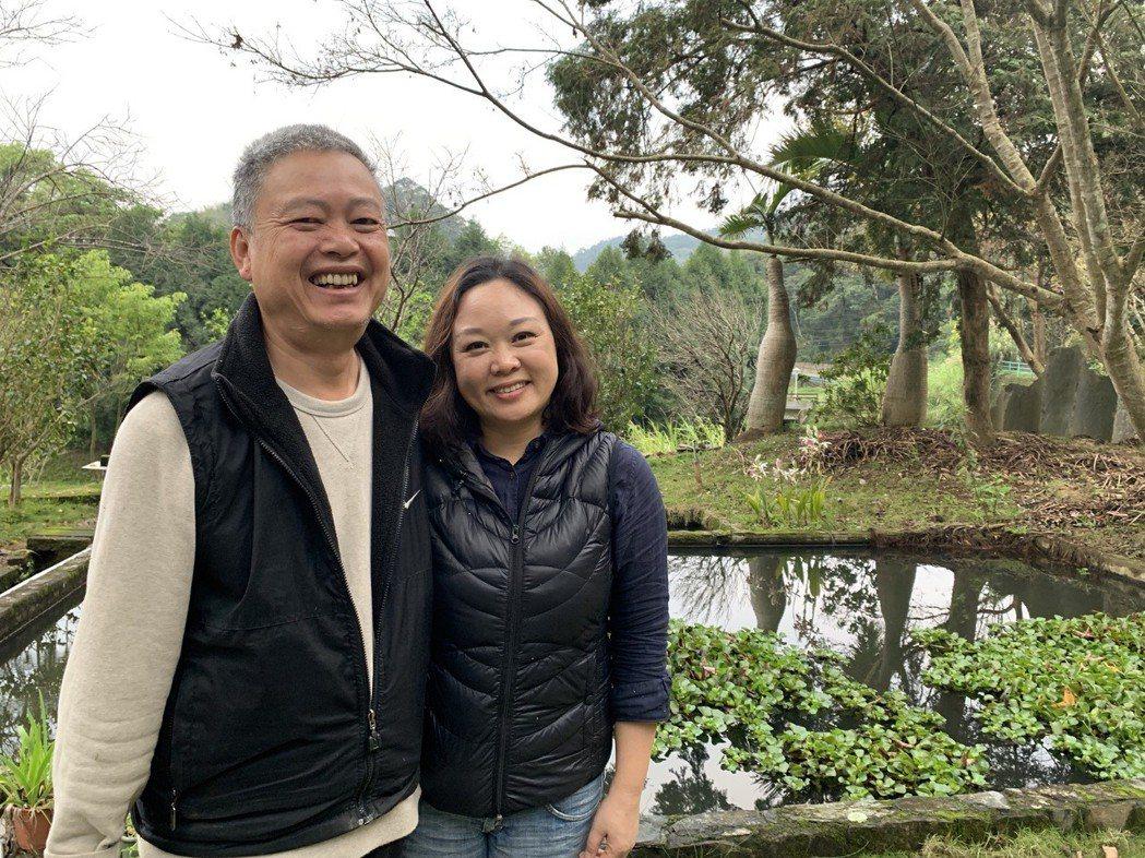 丹尼爾(左)是涂月華愛侶,也是環保路上的好隊友,兩人要催生一千個綠電菜園。 記者...