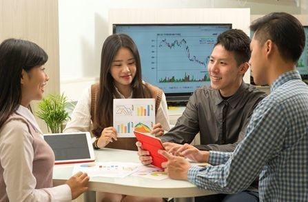 嶺東科大財金系Fintech金融科技課程,創新智慧投資APP教學。 嶺東科大/提...