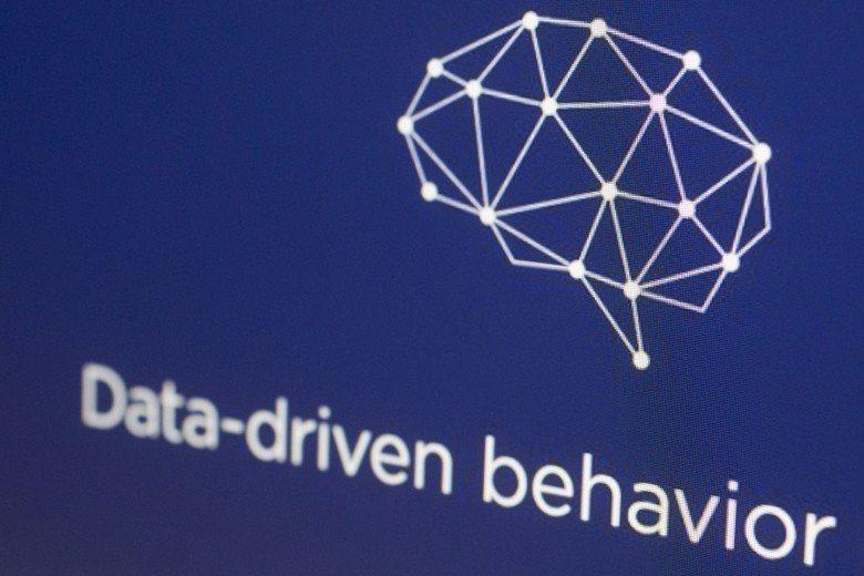 劍橋運算(Cambridge Analytica)為蒐集資訊分析的私人控股公司,...