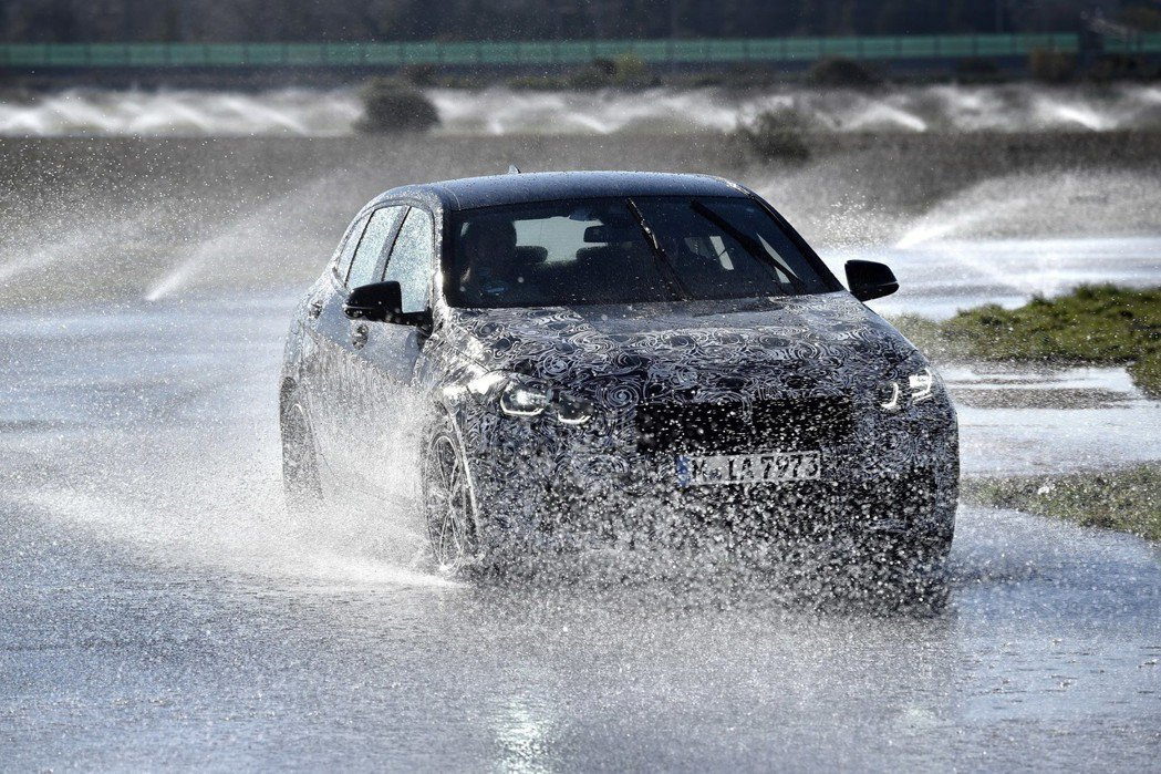 新世代BMW 1 Series配置了電動車i3s的ARB連續性限滑差速器 (actuator contiguous wheel slip limitation)。 摘自BMW
