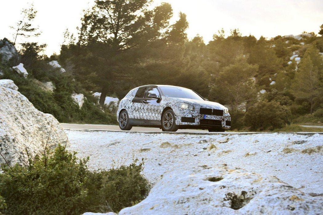 新世代BMW 1 Series將跟後驅底盤與六缸引擎說再見。 摘自BMW