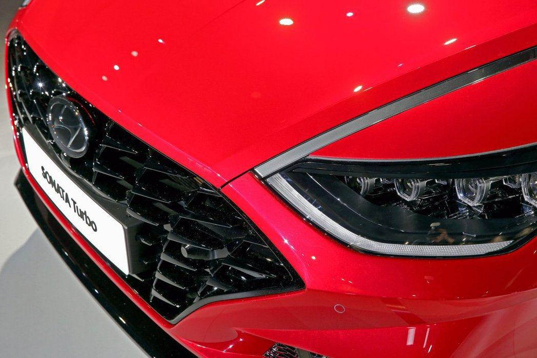 新世代Sonata Hybrid擁有20km/L的平均油耗。圖為Hyundai ...