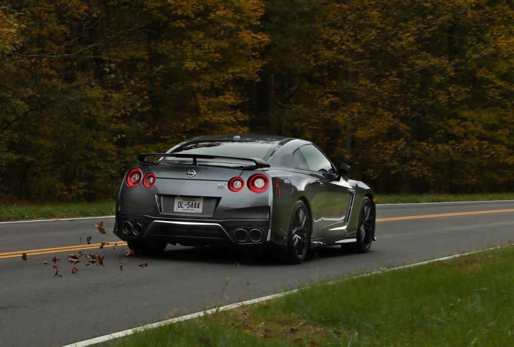 Nissan GT-R相對其他豪華超跑,入手與維修門檻低,但性能強勁,因此特別受...
