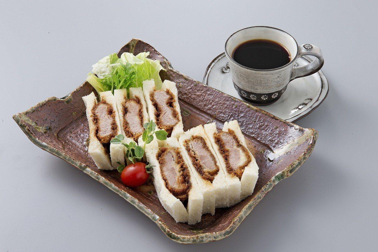 可供外帶或內用的豬排三明治,外帶130元,內用含飲料150元。圖/慕里諾集團提供