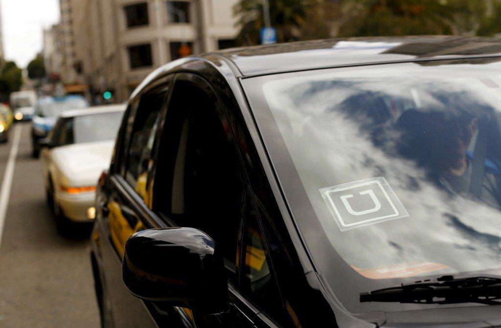 在美國加州,使用 Uber 叫車時比台灣多了陌生人共乘的選項。 圖/路透社