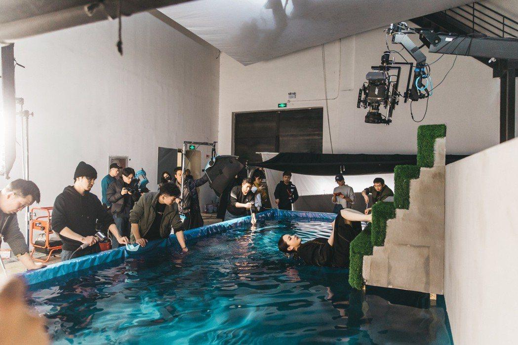 王詩安為拍MV求好心切,險失溫喘不過氣。圖/賦音樂提供