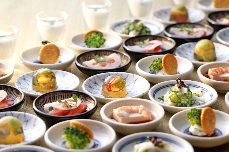 季節小砵料理,也有蛤仔凍水晶球、秋葵水花枝、豆腐海老等新選擇。圖/欣葉提供