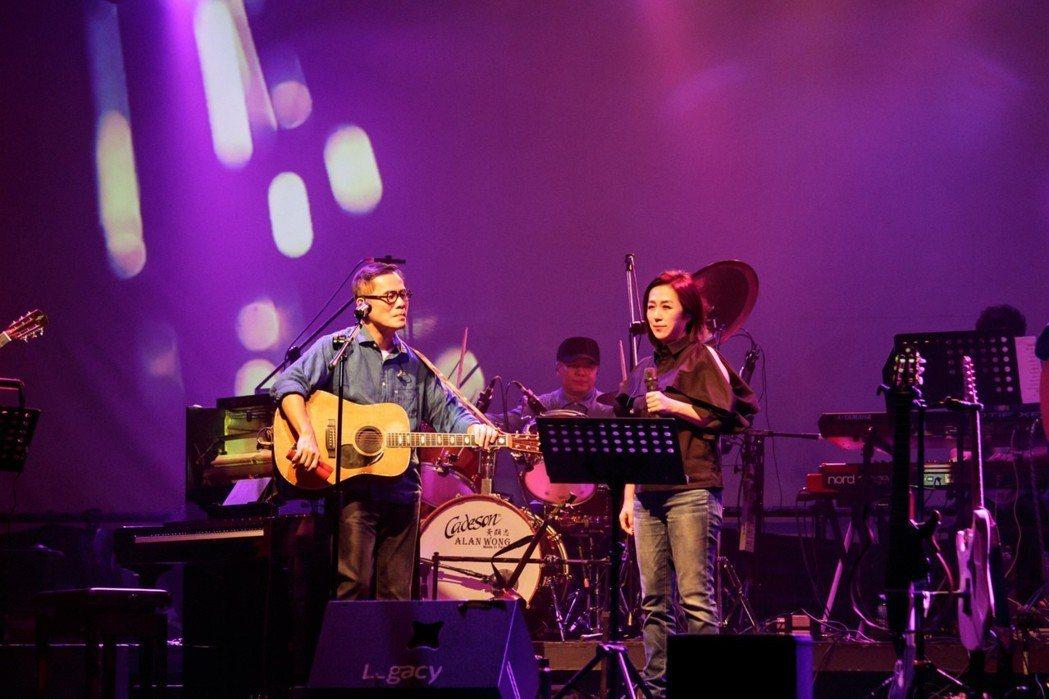 黃韻玲擔任羅大佑「週3聚樂部」演唱會嘉賓。圖/legacy提供