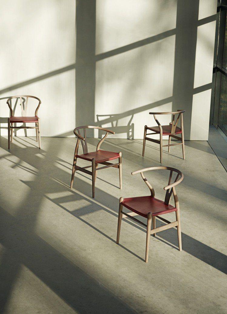 丹麥國寶設計之一Y Chair,有了全新奢華升級版。圖/森/CASA提供