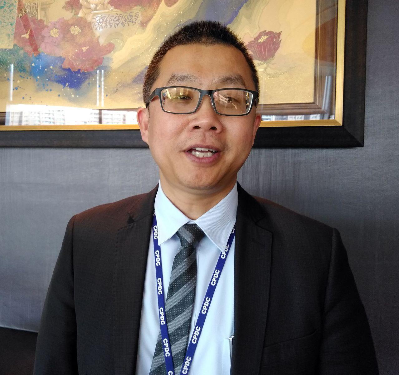 中石化財務長兼發言人陳穎俊(見圖)表示,石化本業及土地開發,是中石化在海內外雙向...