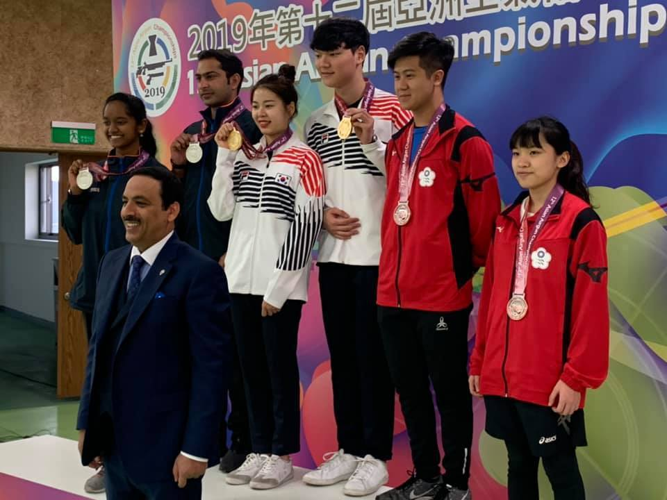中華隊射擊選手呂紹全與搭檔蔡儀婷得到銅牌。圖/中華射擊協會提供