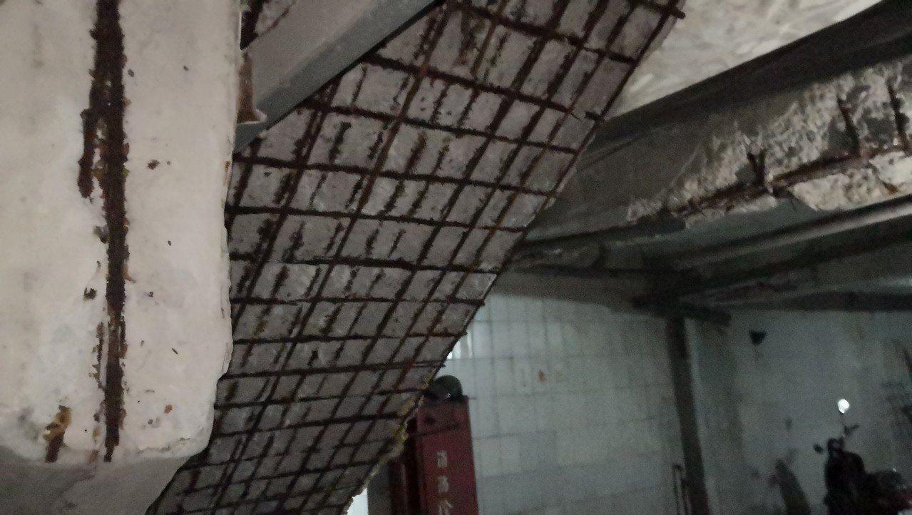 淡水東來大廈為地上7層、地下2層的建築物,因疏於管理維護又長期構造劣化,造成損壞...