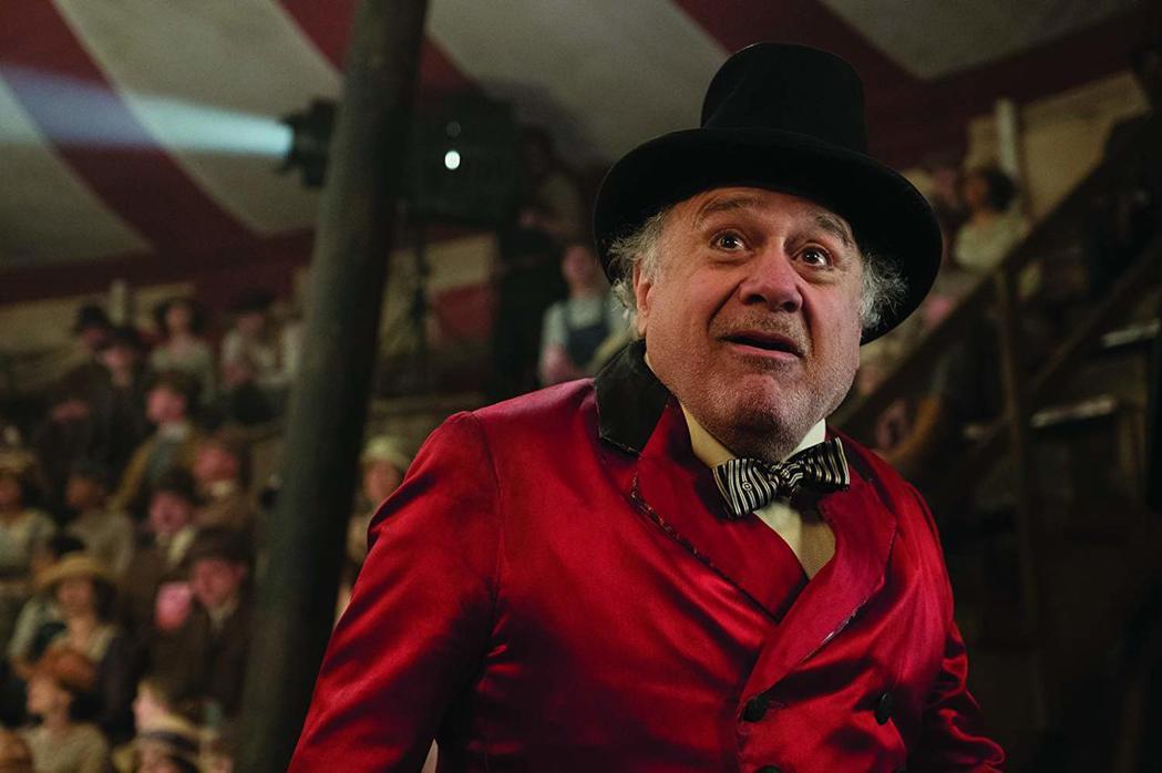 丹尼狄維托飾演馬戲團團長。圖/摘自IMDB