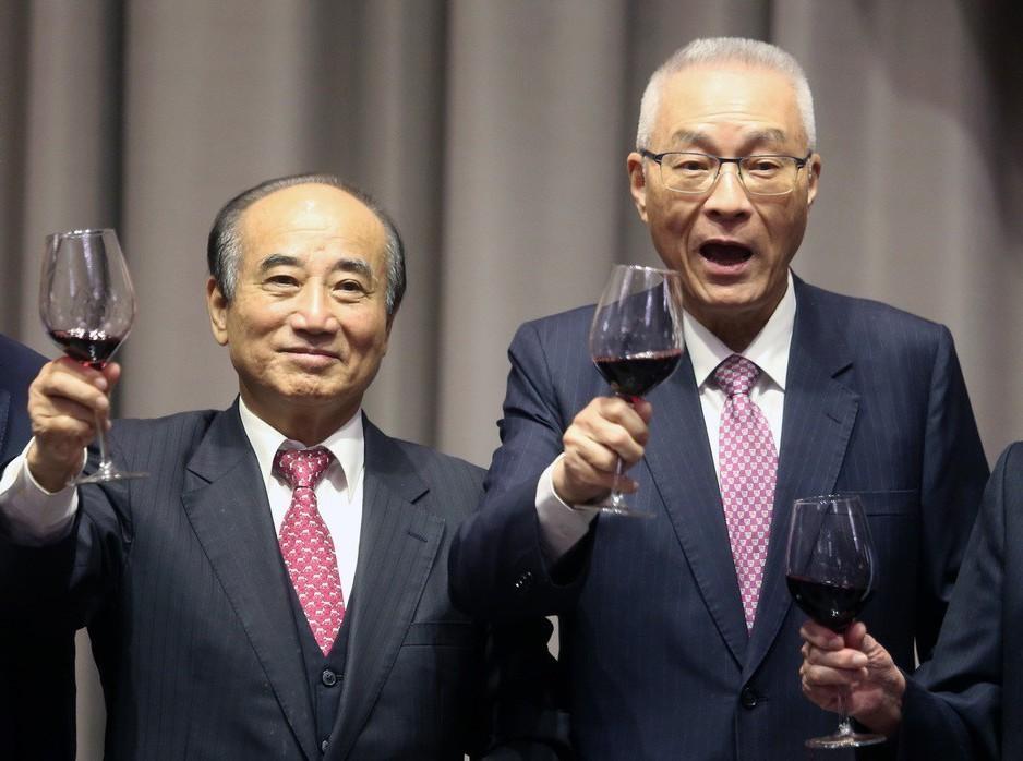 立法院前院長王金平(左)與國民黨主席吳敦義(右)。 記者胡經周/攝影