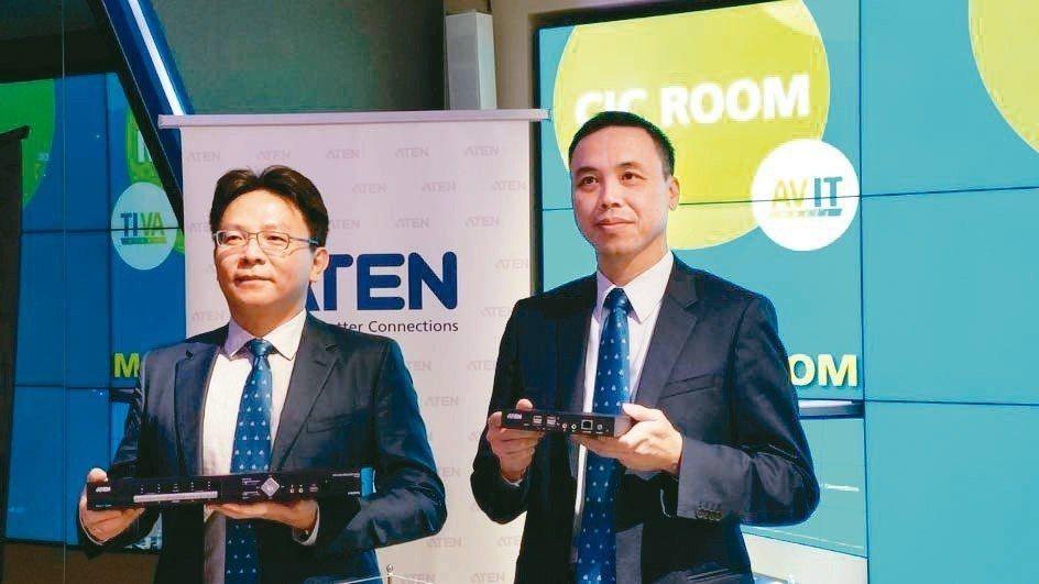 宏正研發暨企劃處資深副總林勇達(左)與財務長陳健南表示,今年靠新產品搶市,營運將...