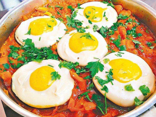 「番茄蛋蔬菜燉肉」體驗,兩小時實際參與烹飪過程,深入以色列名菜精華。 圖/李俊明