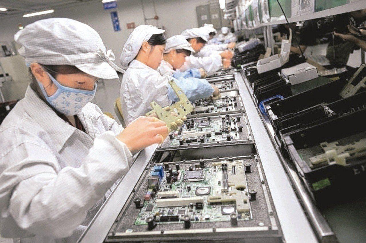 美國半導體設備廠應用材料傳出停止對中國最大LED晶片廠三安光電供貨,台灣LED廠...